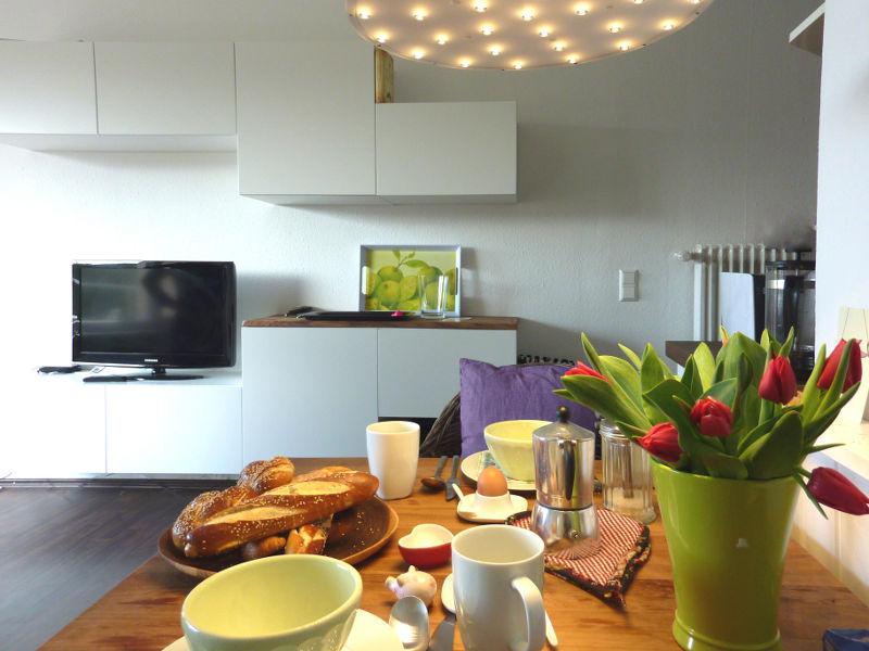 apartment freiburg 2sam an der 3sam. Black Bedroom Furniture Sets. Home Design Ideas