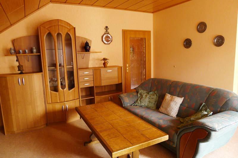 giebelstadt ot essfeld bei w rzburg ferienwohnung konrad direktkontakt detailinfo. Black Bedroom Furniture Sets. Home Design Ideas